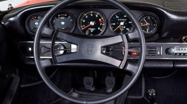 1970-Porsche-911T-Tangerine-9110121262-Studio_032