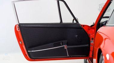 1970-Porsche-911T-Tangerine-9110121262-Studio_037