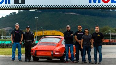 1970-Porsche-911T-Tangerine-9110121262-Track-Test_015