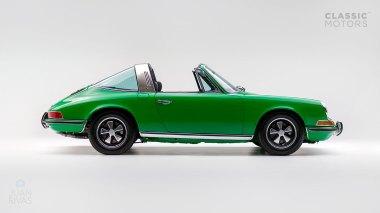 1972-Porsche-911E-Targa-Viper-Green-9112210761-Studio_002