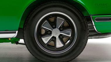 1972-Porsche-911E-Targa-Viper-Green-9112210761-Studio_023