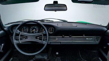 1972-Porsche-911E-Targa-Viper-Green-9112210761-Studio_030