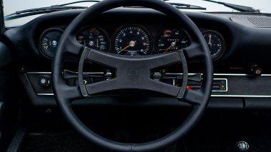 1972-Porsche-911E-Targa-Viper-Green-9112210761-Studio_031