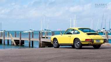 1972-Porsche-911T-Yellow-9112100826-Outdoors_002