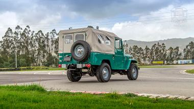 1972-Toyota-Land-Cruiser-FJ43-Rustic-Green-FJ43-377783-Outdoors_004