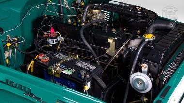 1972-Toyota-Land-Cruiser-FJ43-Rustic-Green-FJ43-377783-Studio_012