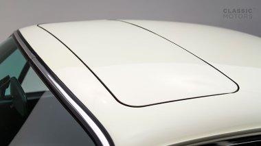 1973-Porsche-911-Carrera-RS-Coupe-Light-Ivory-6630393-Studio-013