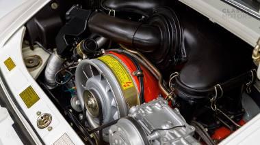 1973-Porsche-911-Carrera-RS-Coupe-Light-Ivory-6630393-Studio-029