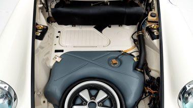 1973-Porsche-911-RS-White-9113601382-Studio-030