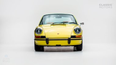 1973-Porsche-911E-Targa-Yellow-9113210103-Studio_007
