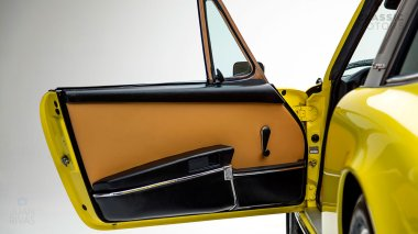 1973-Porsche-911E-Targa-Yellow-9113210103-Studio_021