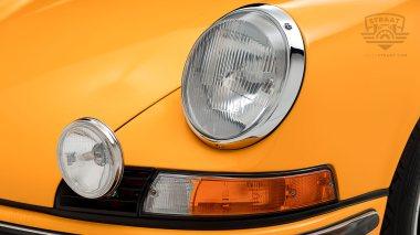 1973-Porsche-911S-Signal-Yellow-9113301160-Studio-016