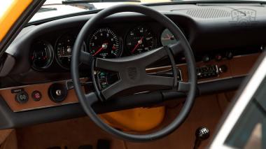 1973-Porsche-911S-Signal-Yellow-9113301160-Studio-033