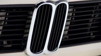 1974-BMW-2002-Turbo-White-4290868-Studio_009