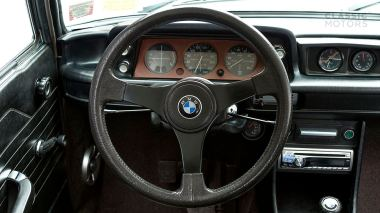 1974-BMW-2002-Turbo-White-4290868-Studio_017