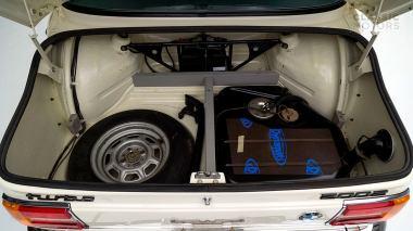 1974-BMW-2002-Turbo-White-4290868-Studio_020