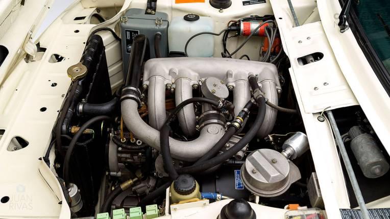 1974-BMW-2002-Turbo-White-4290868-Studio_022