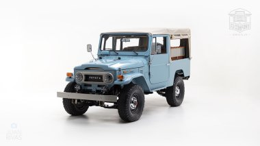 The-FJ-Company-1973-FJ43-Land-Cruiser---Capri-Blue-325992---Studio_008-copy