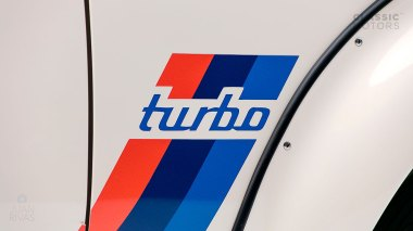 1974-BWM-2002-Turbo-White-4291062-Studio_010