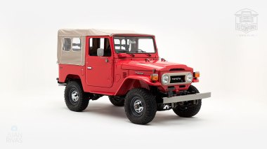 1976-FJ40-219472-Freeborn-Red-LFE-070---Craig-Localio-Studio-001