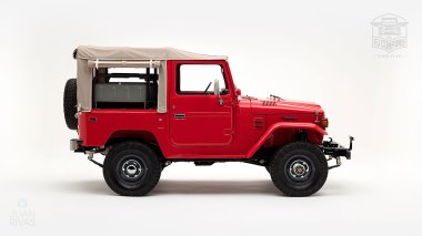 1976-FJ40-219472-Freeborn-Red-LFE-070---Craig-Localio-Studio-002