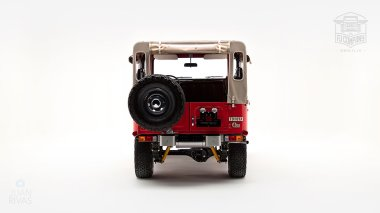 1976-FJ40-219472-Freeborn-Red-LFE-070---Craig-Localio-Studio-004