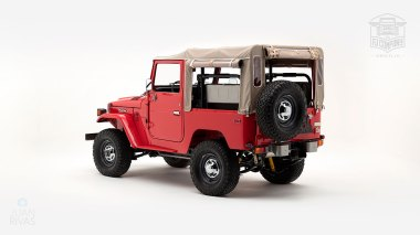 1976-FJ40-219472-Freeborn-Red-LFE-070---Craig-Localio-Studio-006