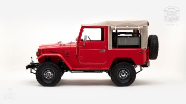 1976-FJ40-219472-Freeborn-Red-LFE-070---Craig-Localio-Studio-007
