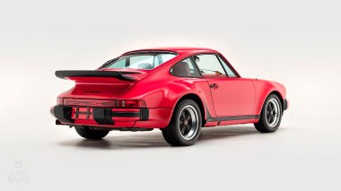 1977-Porsche-911-Turbo-Carrera-Coupe-Guards-Red-9307800696-Studio-003