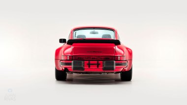 1977-Porsche-911-Turbo-Carrera-Coupe-Guards-Red-9307800696-Studio-004