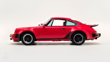 1977-Porsche-911-Turbo-Carrera-Coupe-Guards-Red-9307800696-Studio-006