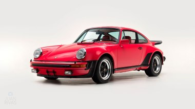 1977-Porsche-911-Turbo-Carrera-Coupe-Guards-Red-9307800696-Studio-007