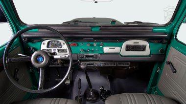 1978-Toyota-Land-Cruiser-FJ40-Rustic-Green-FJ40-273743-Studio_023