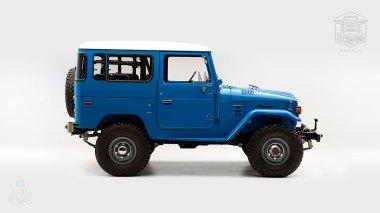 1978-Toyota-Land-Cruiser-FJ40-Sky-Blue-FJ40-265788-Studio_002