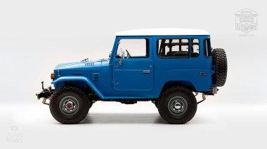 1978-Toyota-Land-Cruiser-FJ40-Sky-Blue-FJ40-265788-Studio_005