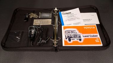 1978-Toyota-Land-Cruiser-FJ40-Sky-Blue-FJ40-265788-Studio_103