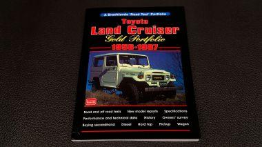 1978-Toyota-Land-Cruiser-FJ40-Sky-Blue-FJ40-265788-Studio_105
