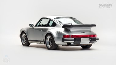 Classic-Motors--1978--Porsche-930-Turbo-Silver-Metallic-9308800194--Studio_004-copy