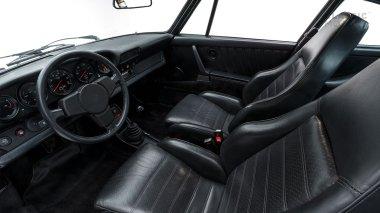 Classic-Motors--1978--Porsche-930-Turbo-Silver-Metallic-9308800194--Studio_029-copy