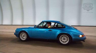 Straat-Automobile-1978-Porsche-911SC---Minerva-Blue-9118201686---Lifestyle_011