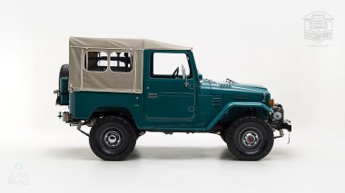 The-FJ-Company-1978-FJ40-Land-Cruiser---Rustic-Green-260936---Studio_003-copy