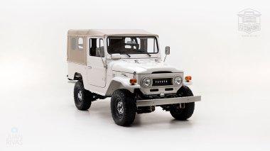 The-FJ-Company-1978-FJ43-Land-Cruiser---White-57926---Studio_001
