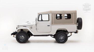 The-FJ-Company-1978-FJ43-Land-Cruiser---White-57926---Studio_006