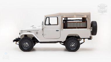 The-FJ-Company-1978-FJ43-Land-Cruiser---White-57926---Studio_007