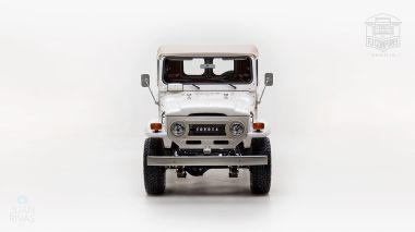 The-FJ-Company-1978-FJ43-Land-Cruiser---White-57926---Studio_009