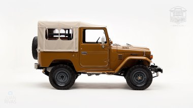 The-FJ-Company-1979-FJ40-Land-Cruiser---Olive-300857---Studio_002