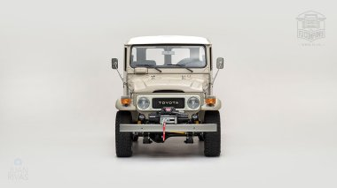 The-FJ-Company-1979-FJ43-Land-Cruiser---Dune-Beige-62337---Studio_006
