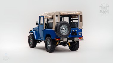 1980 FJ40 313101 Medium Blue Studio-002