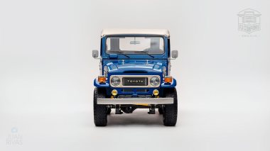 1980 FJ40 313101 Medium Blue Studio-003