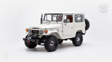 1980-FJ40-315930-White-KDH-487---Alex-Campbell-Studio-008